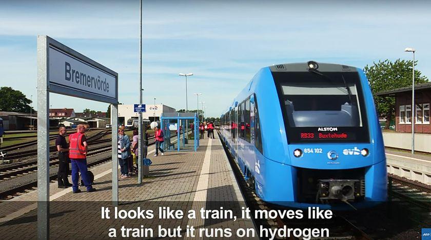 Tyskland rullar ut världens första vätedrivna tåg