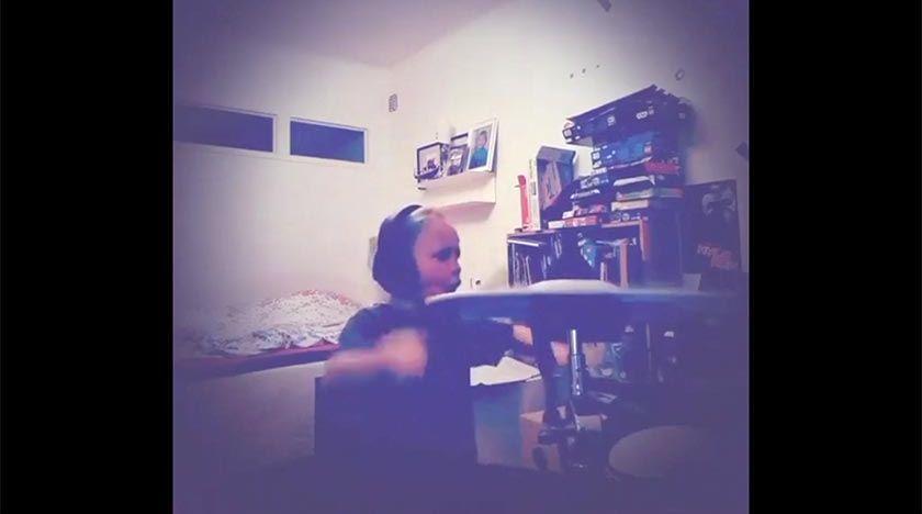 7-åring skriver ilsken punklåt om corona